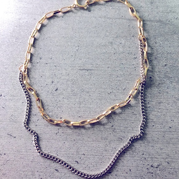 Gold and silver coloured chain necklace